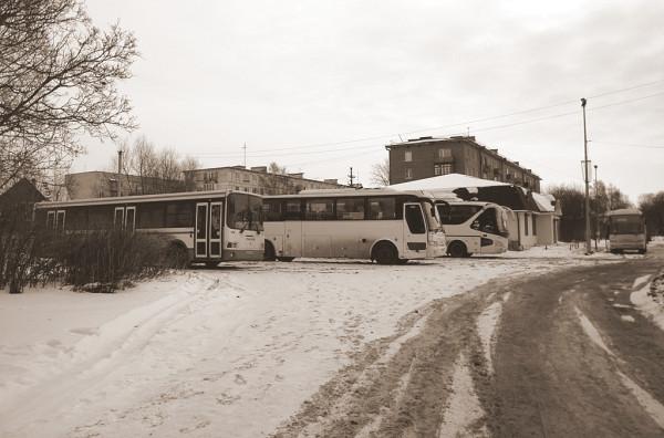 Автостанция ликвидирована, здание занимает продуктовый магазин. ЛО, Приозёрск, Привокзальная улица.