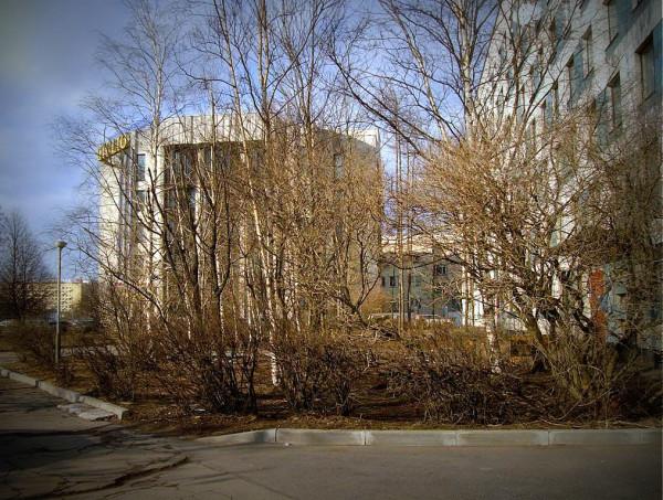 Самый первый его отрезок, от площади Победы до проспекта Юрия Гагарина. Март 2008 г.