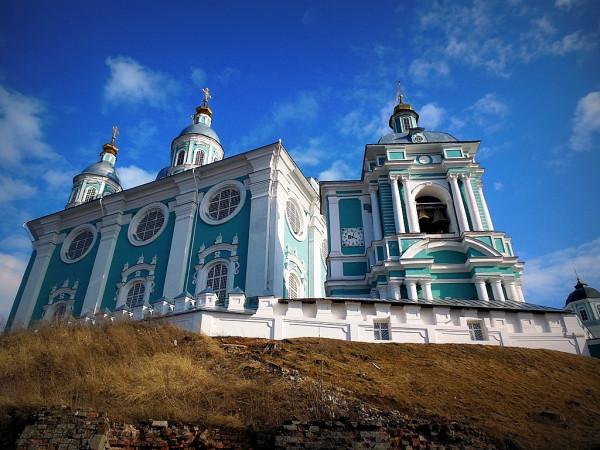 Возводился с 1677 по 1740 гг. Соборная гора, 5.