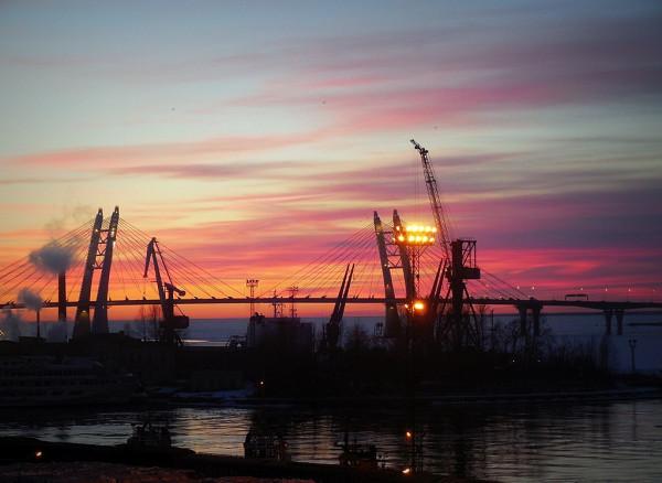 Вид на Финский залив с Гутуевского острова. Март 2018 г.