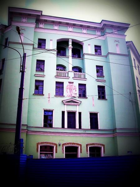 Малая Морская (Гоголя) улица, 4/Кирпичный переулок, 1. Второе по счёту здание (1944-5 гг.).