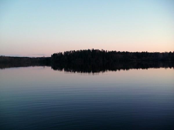 Оно же -- Богатырское озеро. Апрель 2012 г.