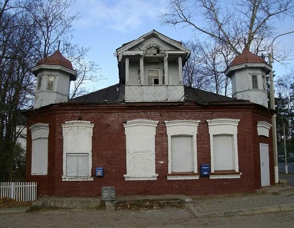 Особняк 1912 года постройки. Снимок сделан в октябре 2009 г. Всеволожский проспект, 36/Заводская улица, 2