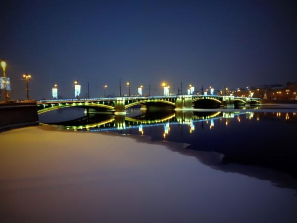 Вид со стрелки Всильевского острова на Петроградскую сторону. Январь 2019 г.