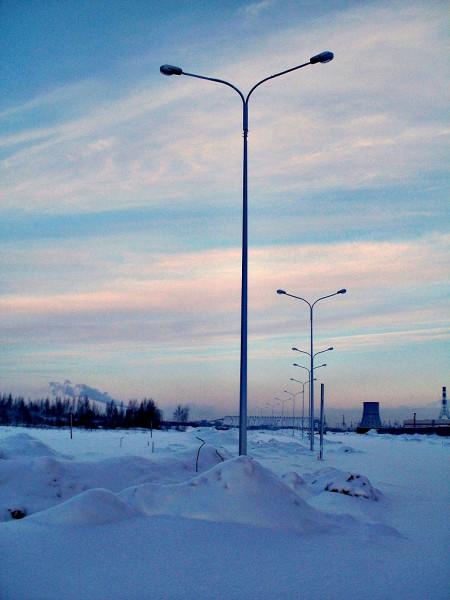 Пока ещё будуйщий. Снимок сделан в январе 2011 г., первый участок проспекта откроется только в декабре.