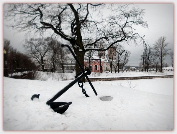 Вид со Староладожского канала на церковный комплекс. Февраль 2013 г.