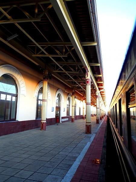 Поезд кисловодский. Вокзал -- Бологовский. Март 2014 г.