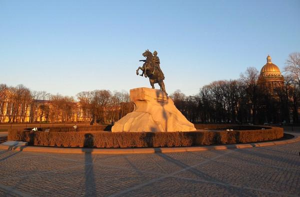 Самый главный монумент Петербурга. Апрель 2019 г.