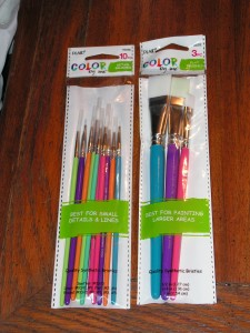We bought a package of wide brushes and a package of detail brushes.