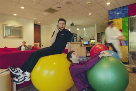 В офисе Google_Сергей Брин и Ларри Пейдж_м