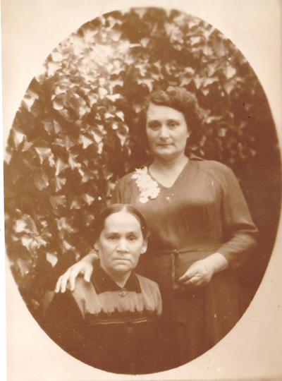 Екатерина Петровна Ковалёва со своей мамой - Евгенией Фёдоровной. 1960-70-е года
