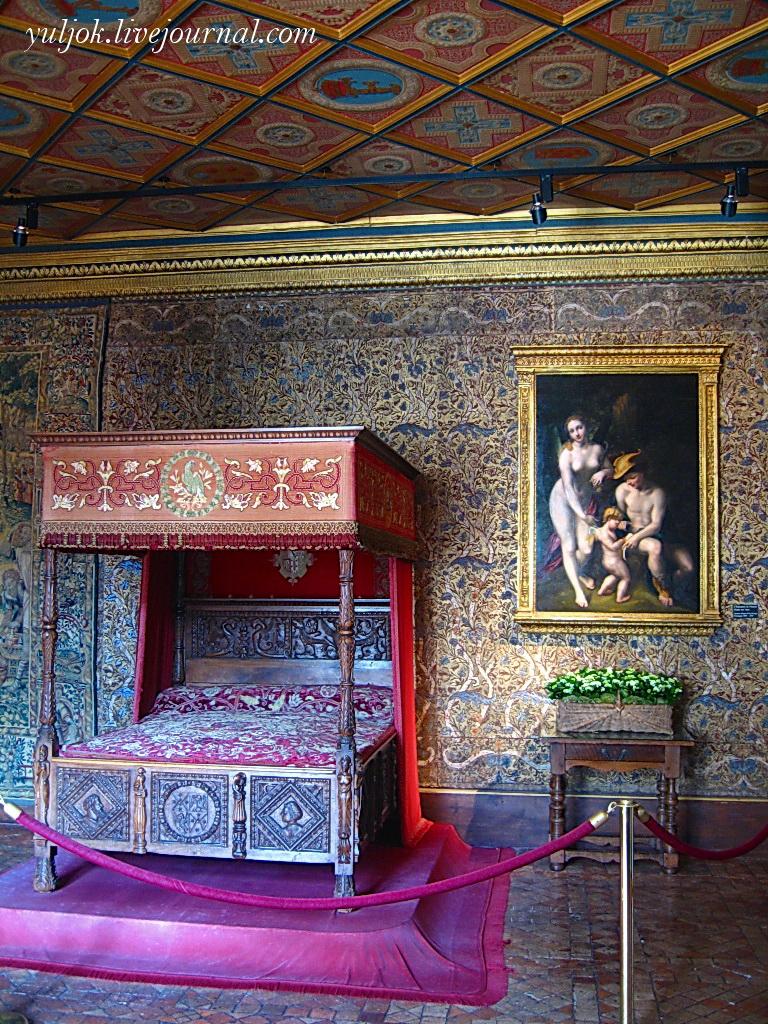 IMG_419 Спальня Екатерины Медичи с картиной Корреджо Воспитание любви