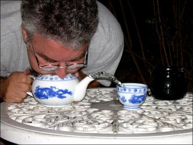 teapot_blowing_01