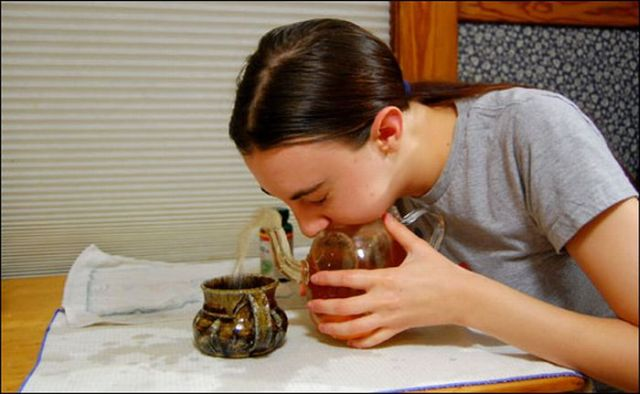 teapot_blowing_11