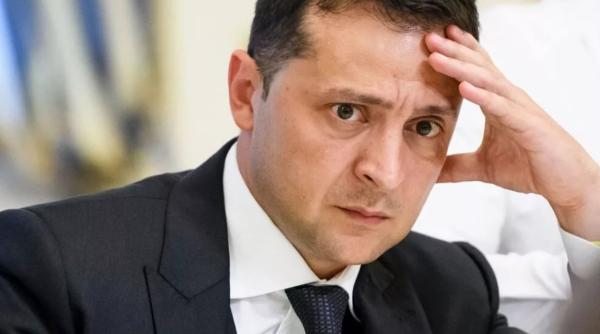 Зеленский на растяжке: Осенью Украину может накрыть политический шторм