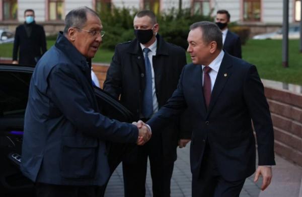 """Путь позора белорусского """"оппозиционера"""": от «нас 97%» до тараканьих забегов «по дворам»"""