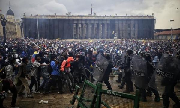 Что происходит в Колумбии: 31 убито, 80 исчезло, 1000 ранено – но вы, не