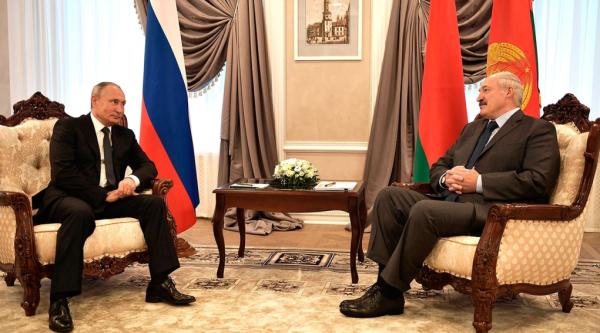 Итоги визита Лукашенко в Сочи - Путин помогать не спешит: А зачем, все и так