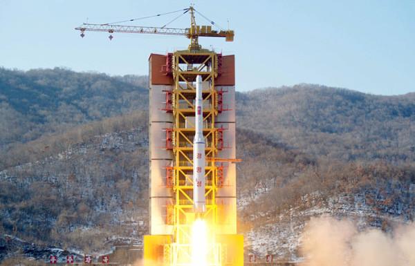 КНДР «бьет горшки» с США и восстанавливает ракетный полигон