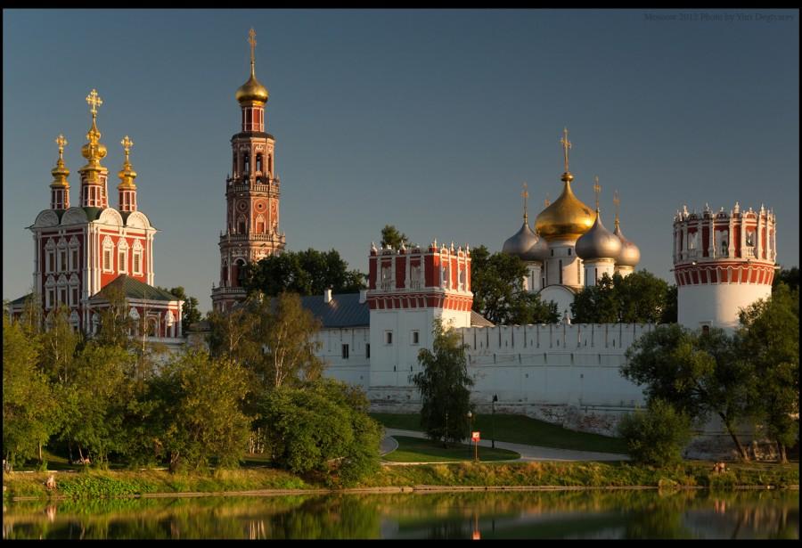 Москва.-Новодевичий-монастырь-2012FLI