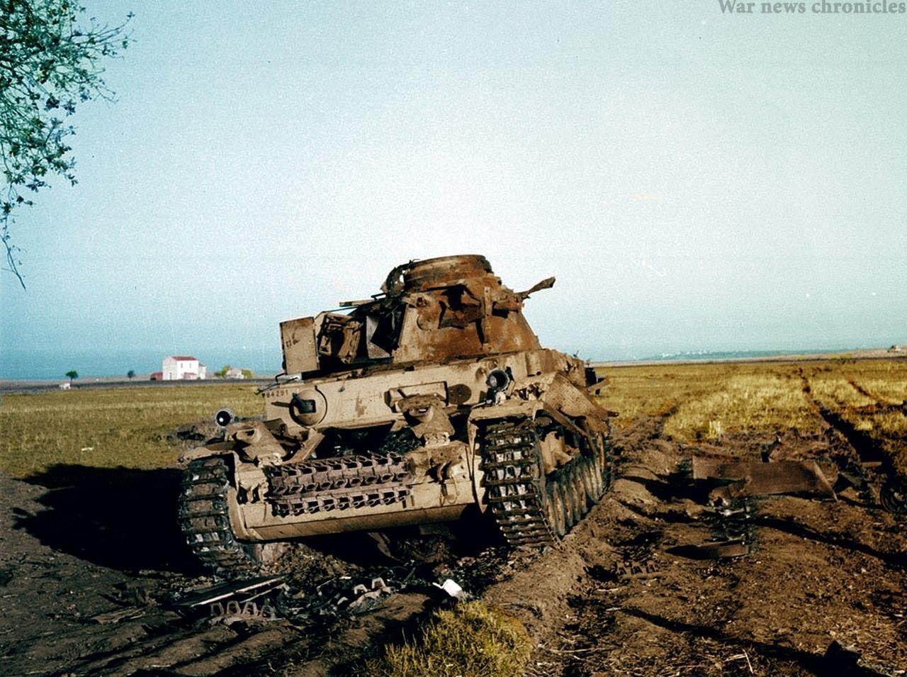 вот картинки подбитый танк интересное