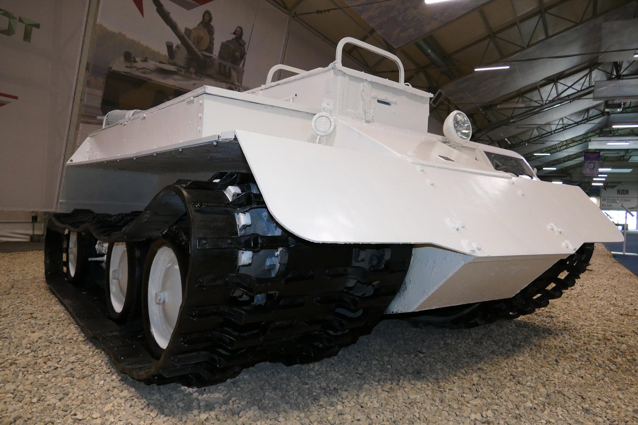 армейские транспортеры