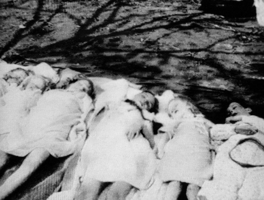 cacheof-image-goebbels-children-dead-via-der-spiegel