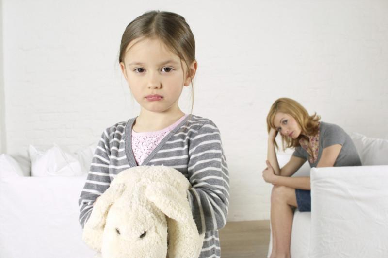 Что делать, если старший ребенок постоянно манипулирует младшим?
