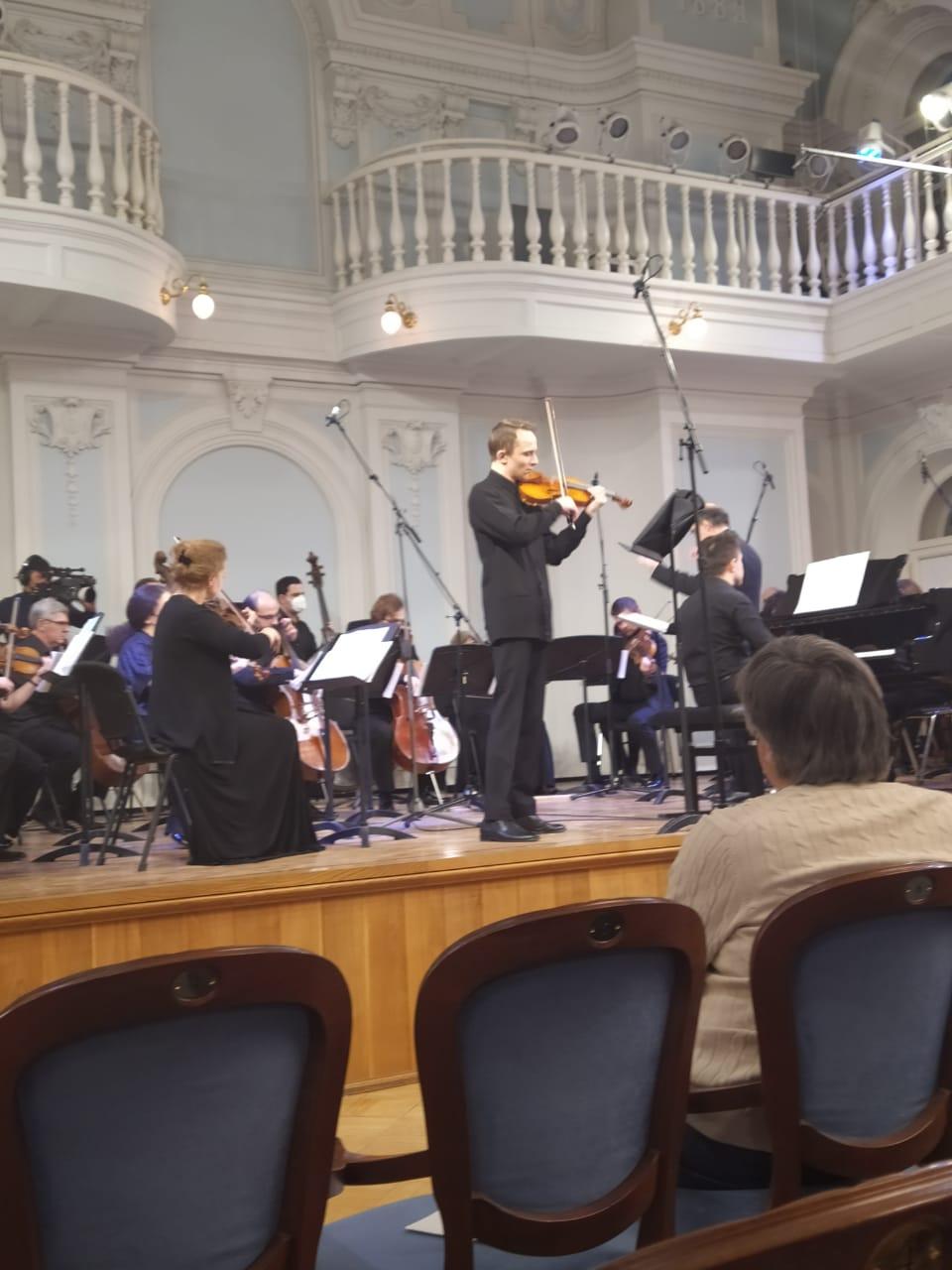 Камерный концерт, сочинение 1941 года. Солируют Роман Викулов и Александр Страхов