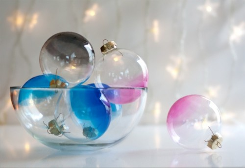 awesome-diy-ombre-glass-ornaments-for-winter-decor-5-500x342