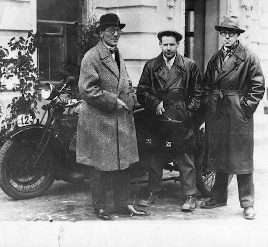 Ле Корбюзье, Сергей Эйзенштейн и Андрей Буров. Москва, 1928 г. Источник: http://famous.totalarch.com/node/5