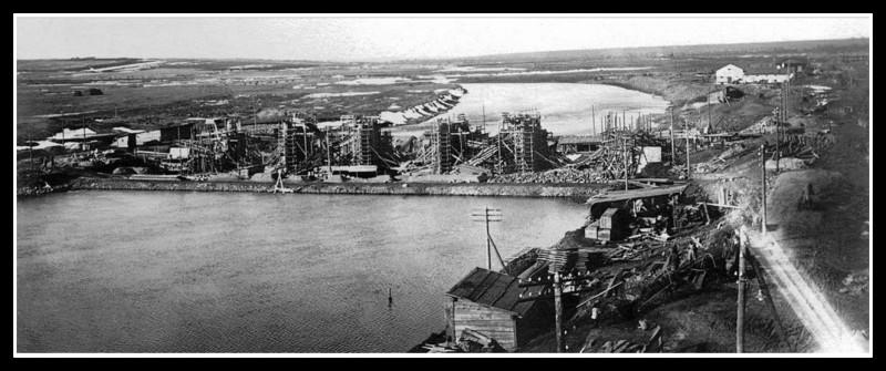 1928 год. Строительство плотины ЧГРЭС. Фотография из фонда Государственного исторического музея Южного Урала