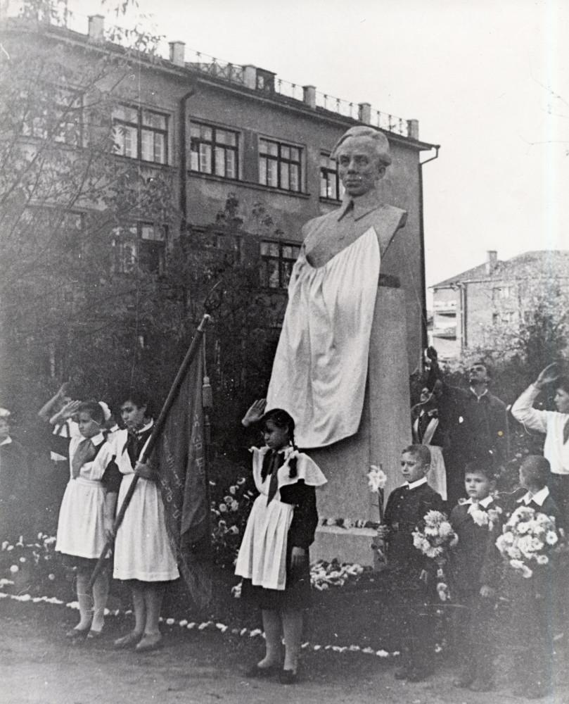 Сентябрь 1961 года. Фотография из музея истории гимназии №48