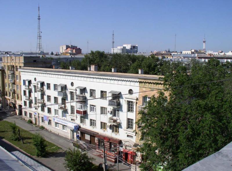 2011 год. Улица Пушкина, 60. Источник: https://chelchel-ru.livejournal.com