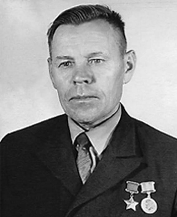 Салтыков И.П.Источник: http://www.warheroes.ru/hero/hero.asp?Hero_id=5847
