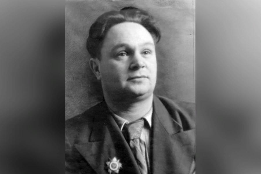Лев Писаревский