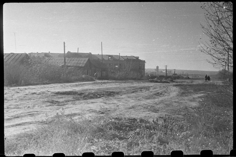 1965 год. Вдали слева - школа №15