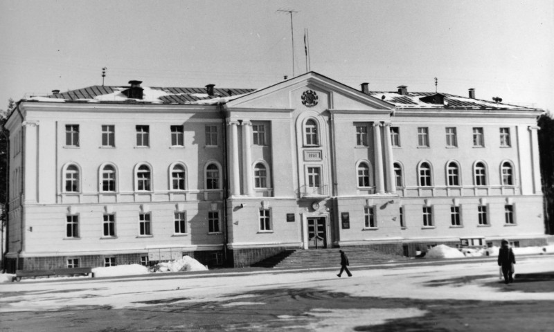 1977 год. Источник: http://snezhinsk.ru/mig/288-eto-malenkiy-fotoalbom-o-snezhinske.html