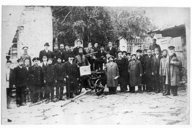 Крайний справа - Кучин Г.Е. Фотография из фонда краеведческого музея г. Катав-Ивановска