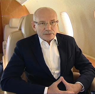 Хамитов в самолете