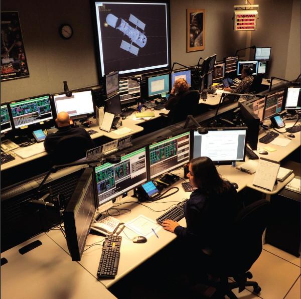 комната управлением космическим телескопом Хаббл