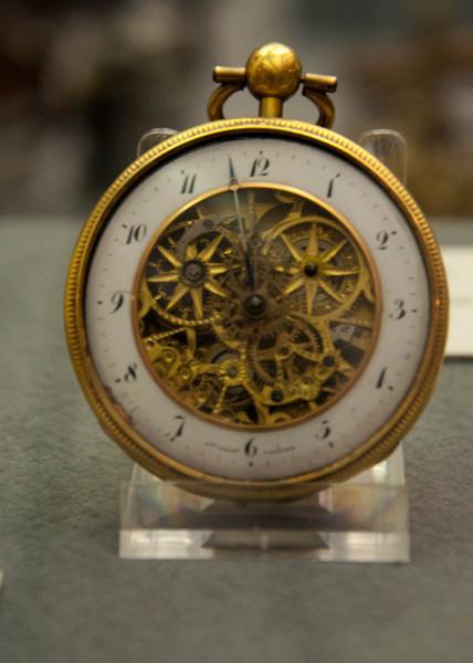 Часы-0946