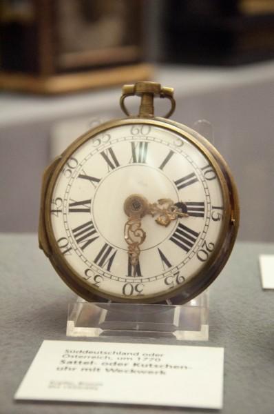 Часы-0952