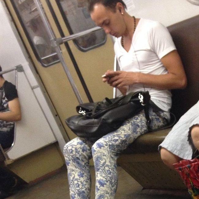 modniki-v-metro-0-012