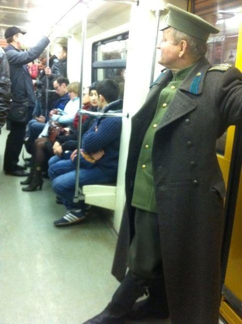 modniki-v-metro-0-026