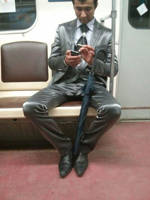 modniki-v-metro-0-032
