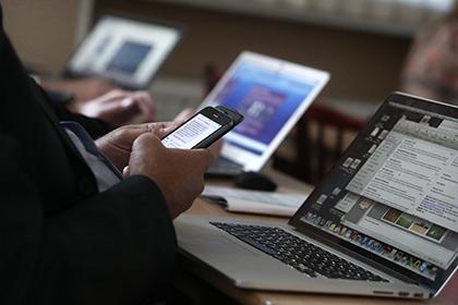 Как будет развиваться будущее СМИ? Сейчас умирает отрасль физической печатной продукции. Есть проблемы монетизации электронных СМИ. Большие данные помогают выживать изданиям в новом информационном мире.