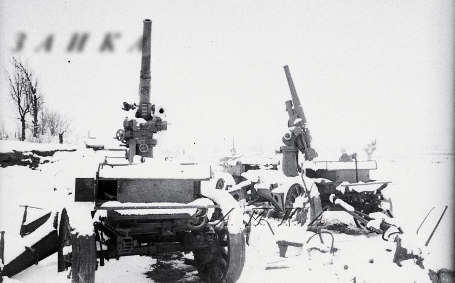 пушка лендера обр 1915 на ЗУ-25 Сталинград 01 копия.jpg