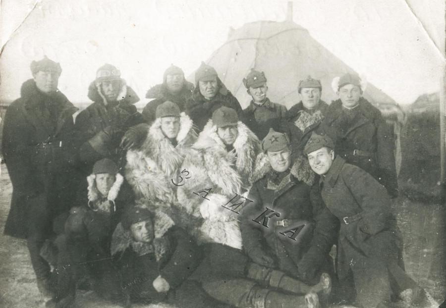 бойцы в Монголии смешение стилей копия.jpg