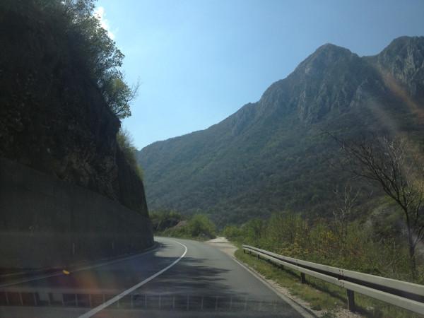 http://ic.pics.livejournal.com/zajaryan/45450977/2755/2755_600.jpg